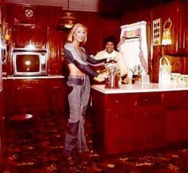 graceland-kitchen-1970s