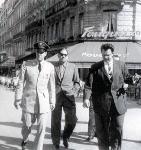 elvis-und-lamar-fike-in-paris-june-1959