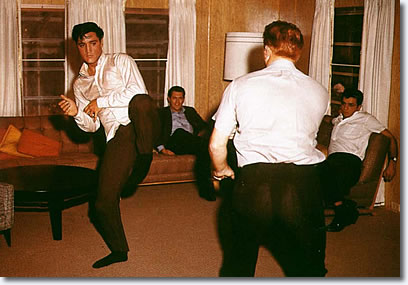 https://ourdailyelvis.files.wordpress.com/2016/11/karate-elvis-red-408.jpg