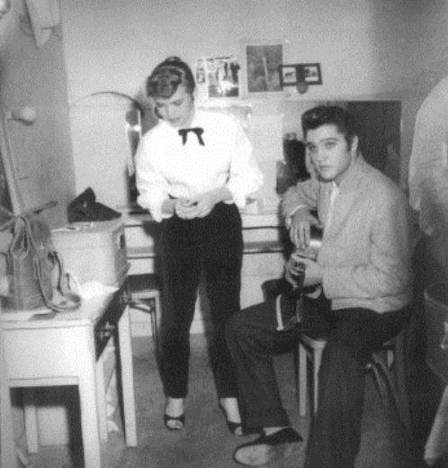 november-14-1956-alis-lesley-and-elvis-las-vegas