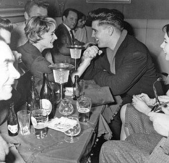 Irene Mann vs Elvis Presley